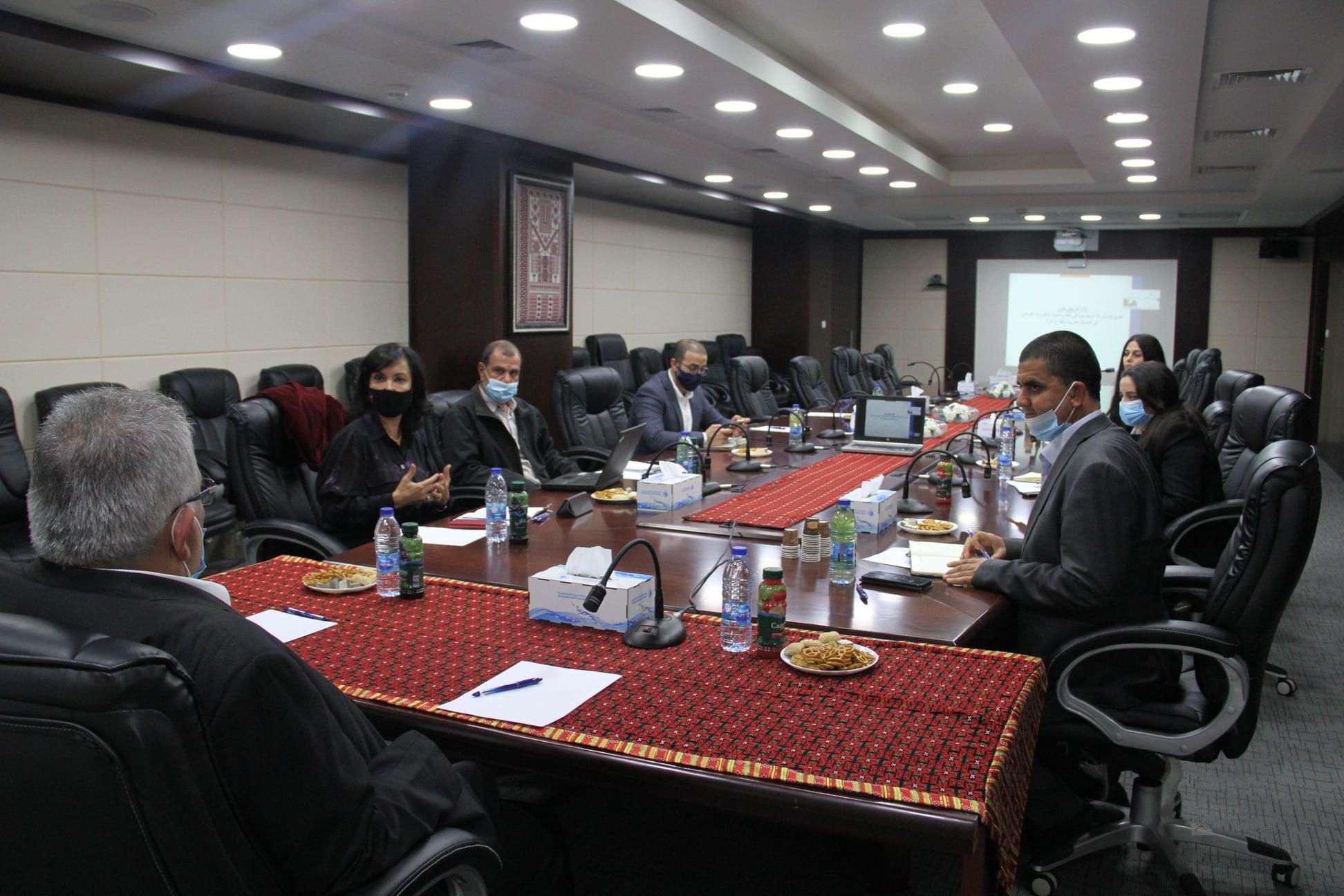 عقد لقاء لبحث آليات تعزيز المشاركة المجتمعية في قطاع المياه والصرف الصحي
