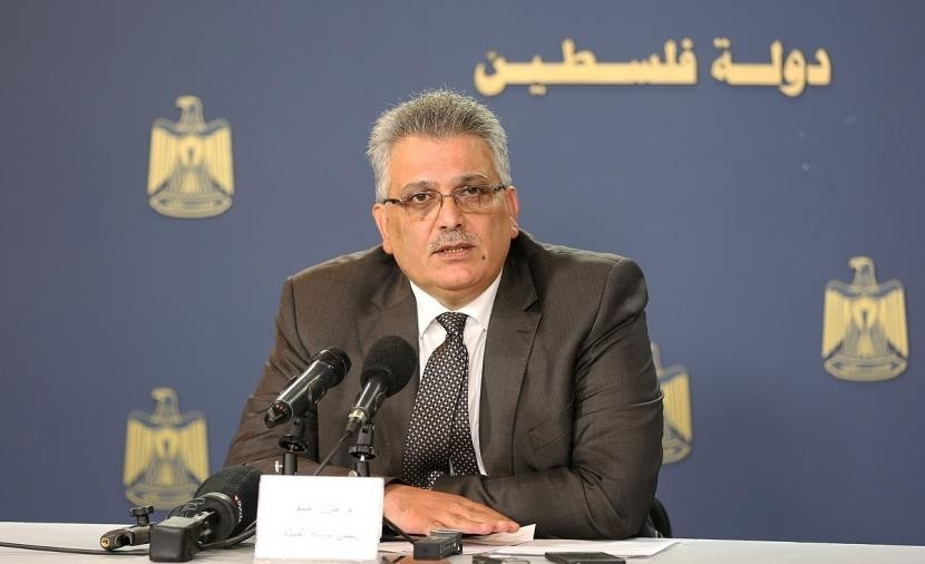 رئيس سلطة المياه  يتابع عن كثب قضية نقص المياه في جنوب محافظة الخليل