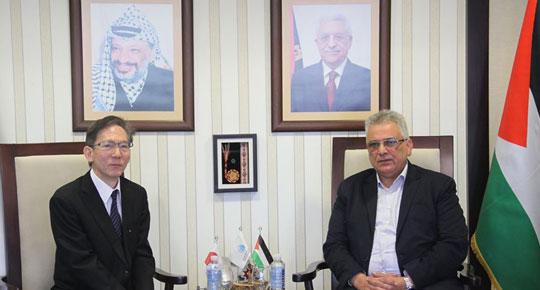 بحث معه تطورات المشاريع الممولة من الحكومة اليابانية ... الوزير غنيم يستقبل السفير الياباني في فلسطين