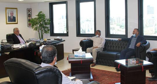 الوزير غنيم يطلع على احتياجات  قرى شمال رام الله