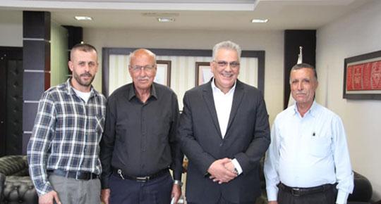 الوزير غنيم يطلع على احتياجات  مجلس قروي عابود
