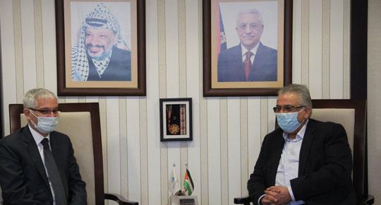 الوزير غنيم يلتقي القنصل التركي العام