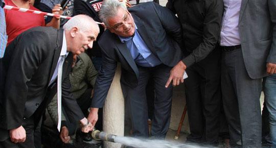 سنعمل على توفير مياه آمنة لأطفالنا في الفوار الوزير غنيم يفتتح وصلة مياه مخيم الفوار