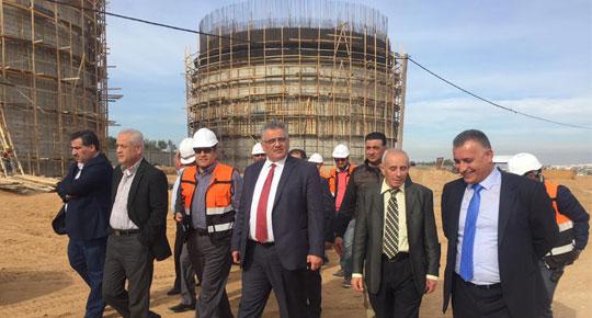 رئيس سلطة المياه م. مازن غنيم  يقوم بزيارد تفقديه لمحطة معالجة المياه العادمة لمحافظتي غزة والوسطى