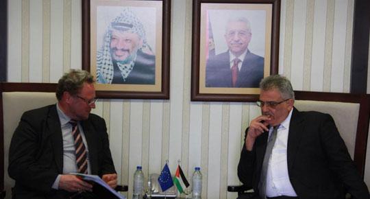  غنيم يلتقي مسؤول حسن الجوار في المفوضية الأوروبية تحضيراً لمؤتمر المانحين الدولي.