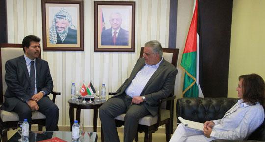 غنيم يستقبل سفير تونس لدى دولة فلسطين