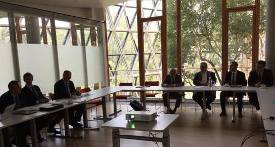 رئيس سلطة المياه يبحث مع بنك الاستثمار الأوروبي جملة من المشاريع التطويرية