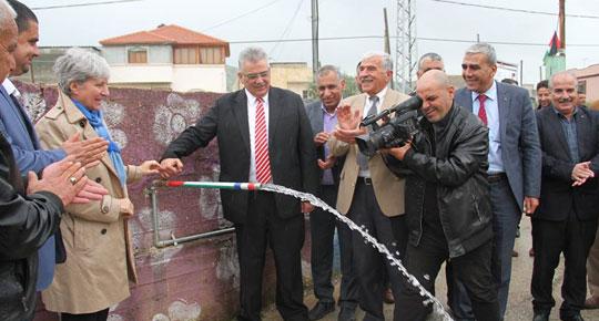 افتتح شبكات مياه طوباس تياسير عقابا .... الوزير غنيم : تياسير تنعم بكميات مياه آمنة وكافية