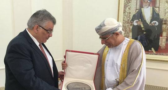 """""""م. غنيم يفتح فرص تعاون جديدة في قطاع المياه في زيارته الرسمية لسلطنة عُمان"""""""
