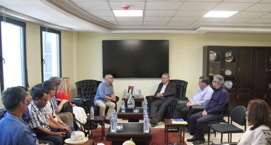 الوزير غنيم يطلع وفد أكاديمي دولي على الوضع المائي في فلسطين