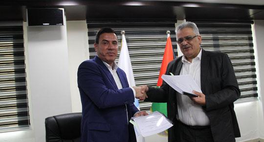 الوزير غنيم يوقع عقد تأهيل النظام المائي في قرى شمال غرب نابلس وقبلان